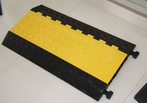 Wholesale Other Security & Protection Products: 2017 New Cable Cover Factory Price for Cable Ramp 5 Way Cable Protector Cable Cross 16KG