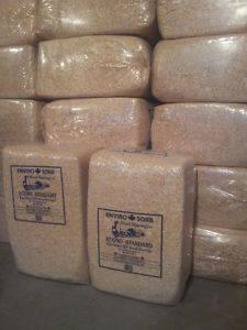 Wholesale bed: Pine Wood Shavings for Horses Bedding 25 Kg Bags