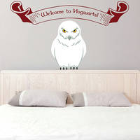 Vinyl Wall Decal Sitting Owl / Harry Potter Welcome To Hogwarts Sticker / Colorful