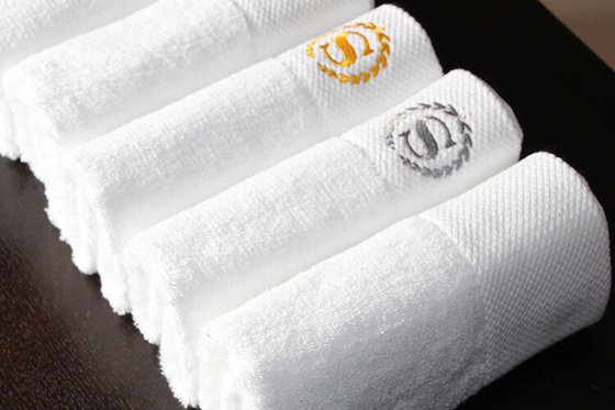 Luxury Hotel Towels With Hilton Logo Embroidery From Asia