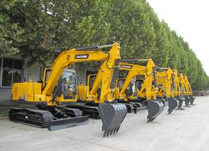 Wholesale gasoline engine hydraulic pump: Yellow New Small Crawler Hydraulic Excavator Catching Wood Machine