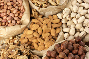 Wholesale Fresh Food: Sweet California Almond Nut / Cashew Nuts / Walnuts Available in Stock for Exportaion