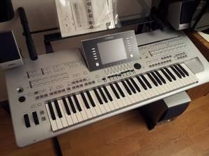 Wholesale Musical Instrument: Discount for Yamaha Tyros 5 61 Key Arranger Workstation