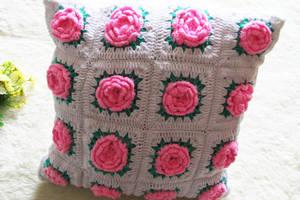 Wholesale crochet pillow: Wholesale Beautiful Handmade Flower Shape Crochet Pillow