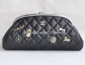 Wholesale famous brands handbags: Fashion Cosmetic Bags, Clutch Bag,Ladies Bags,Leather Bags