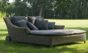 Wholesale table covers: New Modern Poly Rattan Garden Daybed