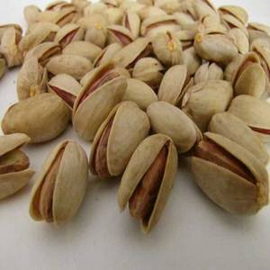Wholesale nut: Hot Selling Dried Fruits and Nuts ( Pistachio, Raisin, Almond, Dried Kiwi, Dried Date)