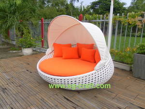 Wholesale cushions: Evergreen Outdoor Wicker Sunbed with Canopy