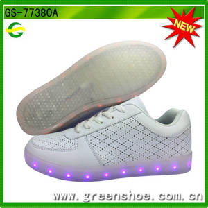 Wholesale fashion shoes: Wholesale Cheap Fashion Beautiful Lights LED Shoes