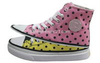 Sell dot canvas shoes,sports shoes,girls shoes,casual shoes