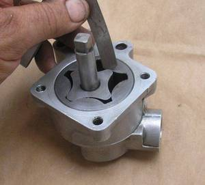 Wholesale nissan crankshaft: Oil Pump