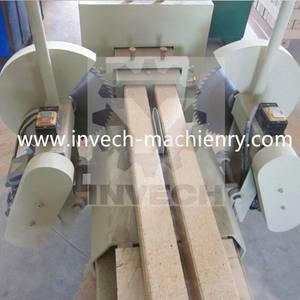 Wholesale spreading machine: Wood Pallet Sawdust Block Extruder
