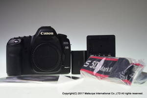 Wholesale Digital Cameras: CANON-EOS-5D-Mark-II