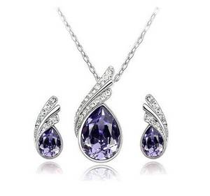 Wholesale earrings: Wholesale Fashion Crystal Necklace and Earrings Set
