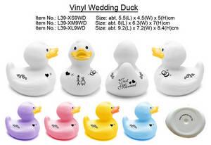 Wholesale baths: Vinyl Wedding Duck