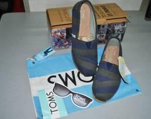 Wholesale shoes: TOMS Canvas Shoes Mens Classic Shoes