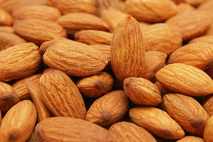 Wholesale coated peanut: Raw Organic Almond Nuts
