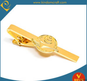 Wholesale Hangers & Racks: China Wholesale Cheap Customized Elegant Tie Clip with Top Quality Box