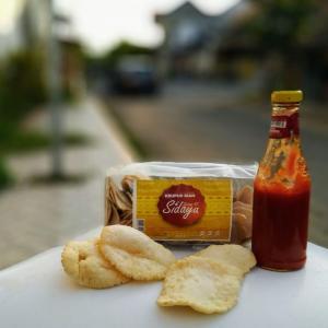 Wholesale traditional cracker: Hanum Food Fish Cracker