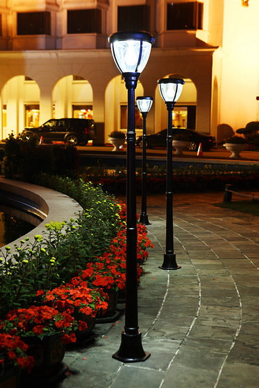 Outdoor Landscape Lighting Garden Post : Solar powered lamp post garden lights outdoor zhuhai