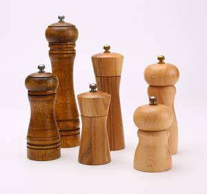 Wholesale Kitchen Tool Sets: Rinvay Wooden Salt & Pepper Mills