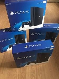 Wholesale game: Sonys Playstations 4 Pro / PS4 1TB + 30 Free Games and 2 Pads