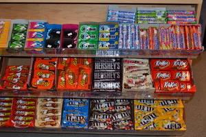 Wholesale chocolate: Snickers, Twix, Kit Kat, Mars, Bounty Chocolates