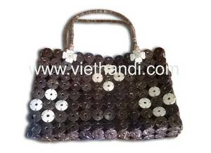 Wholesale Wood Crafts: Handbag Mid Coconut Shell