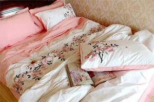 Wholesale Duvet Cover: Cotton Duvet Cover with Floral Embroidery