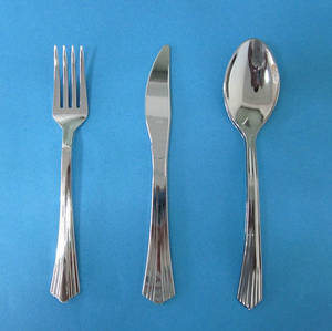 Wholesale Home & Garden: Plastic Tableware