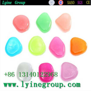 Wholesale glow stone: Best Quality Glow Stone in Dark Color Polished River Pebbles