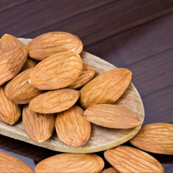 Sell Good quality Almond Nuts/Almond Without Shell