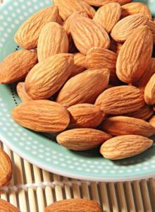 Wholesale almond nuts: Almond Kernels/Grade A Almond Nuts/Almond Without Shell