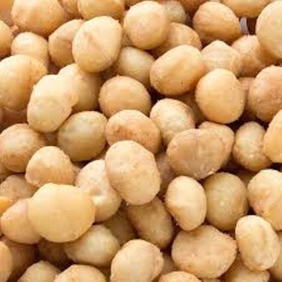 Sell Roasted Peeled organic Macademia Nuts