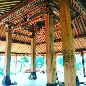 Wholesale Other Construction & Real Estate: Antique Carved Joglo House