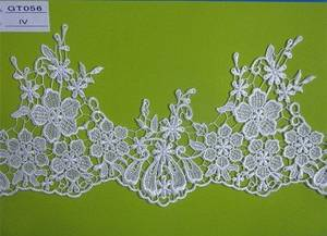 Wholesale Lace: 100% Polyester Beautiful Water Soluble Embroidery Heavy Lace Fabric for Curtain/Bridal GT056