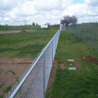 Hot-dipped Galvanized Iron Wire Mesh Chain Link Fence 3