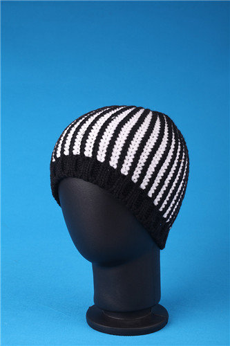 High Grade Plain Winter Knitted Covering Brocade Hat/Cap