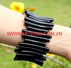 Wholesale wholesale pendant jewelry: Bracelet Bangle with Horn and Lacquer