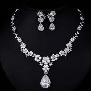 Wholesale cz jewelry: AAA CZ Stone Fashion Flower Bridal Jewellery Antique Design Jewelry Set