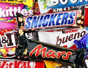 Wholesale snicker chocolate bar: Snicker Chocolate Bar, Twix, Bounty, Mars, Nutella, M&M,Pringles, Kitkat, Galaxy