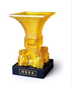 Wholesale gift items: Wealth Square Cup - 	Crystal Glass Liuli Feng Shui Business Gift Hot Item