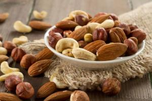 Wholesale tree service: Fresh Almond Nuts