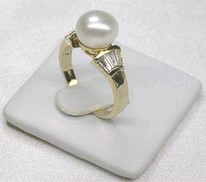 Wholesale fashion ring: Pearl Ring (RG001)
