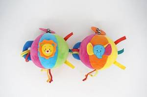 Wholesale baby animal toy: Animal Plush Ball with Colorful Ribbon