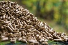 Wholesale 100 naturally: High Quality Wood Pellet (100% Natural Wood)