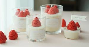 Wholesale soy candle: Strawberry Soy Candle