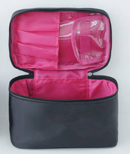 Wholesale travel bags: Girl's Portable Toilet Bag for Travel