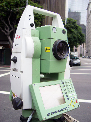 Leica Tcra1201 R1000 Total Station Id 5564663 Product