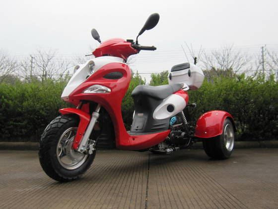 Sell 3-wheel scooter
